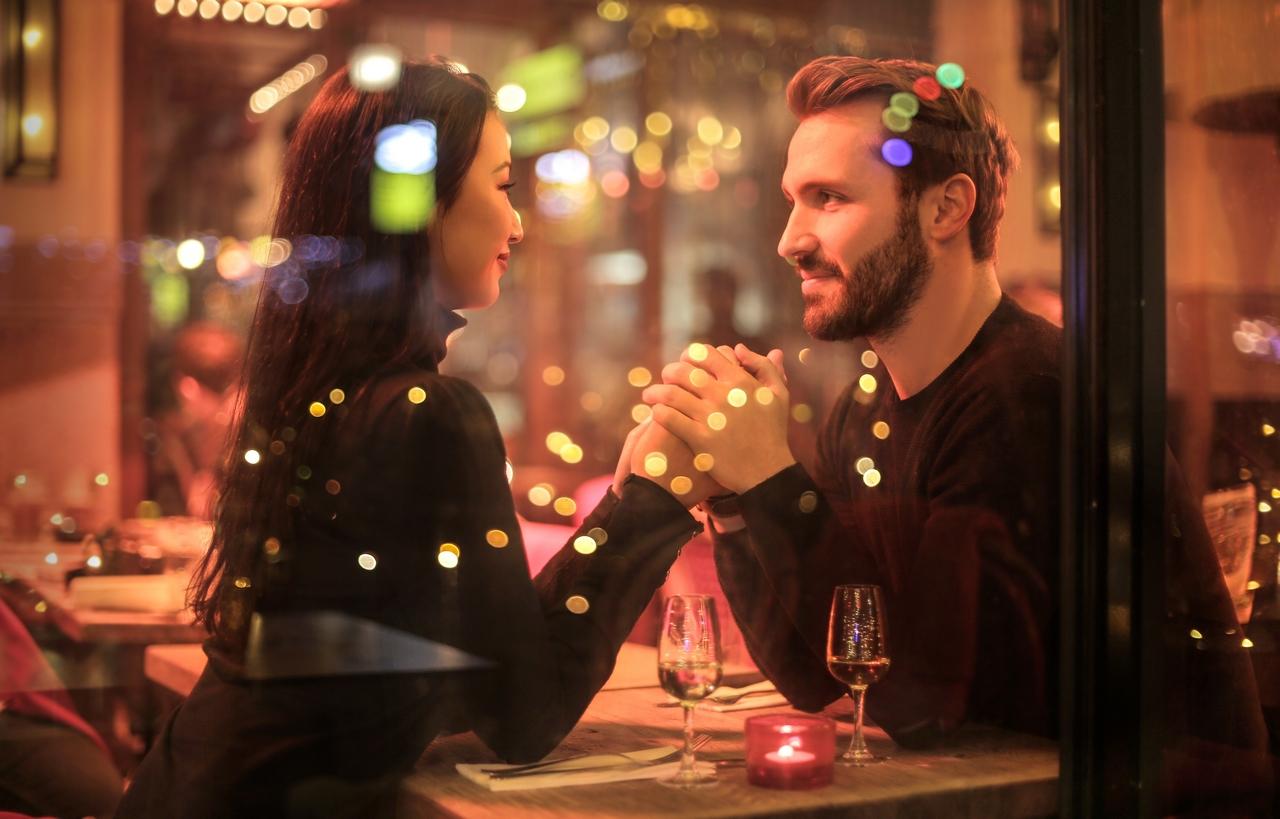 Règles de flirter avec les égale