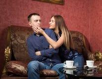 Problèmes femme célibataire viendra à affinitésde